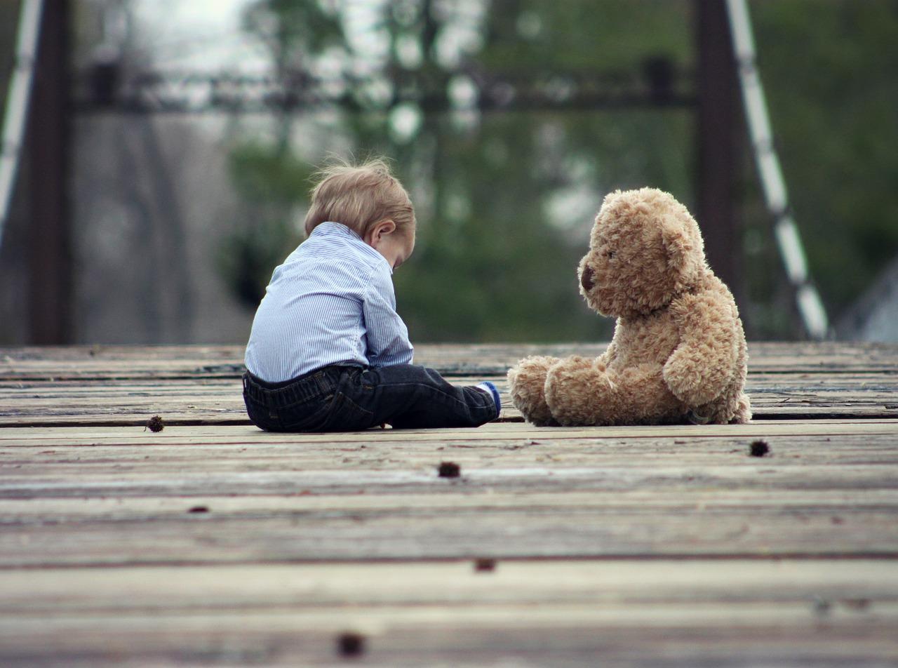признакми аутизма