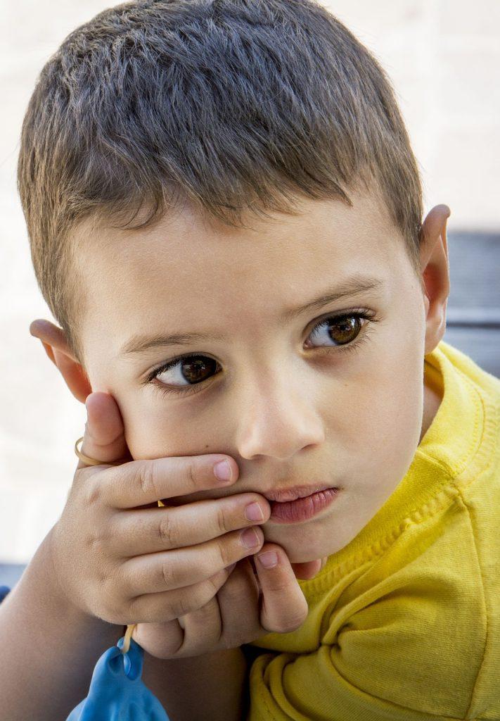 причины аутизма и лечение